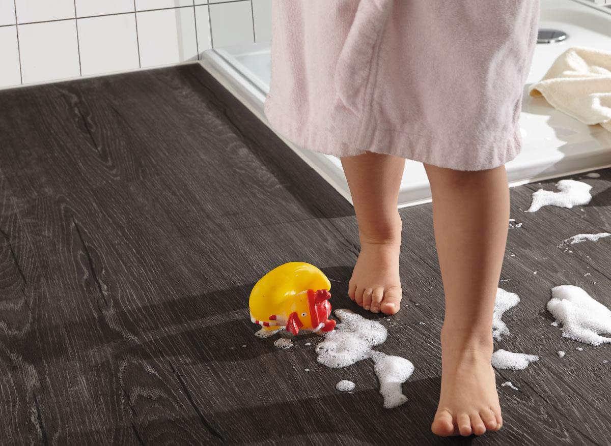 Click design rovere grigio scuro pavimento parquet - Cucina grigio scuro ...